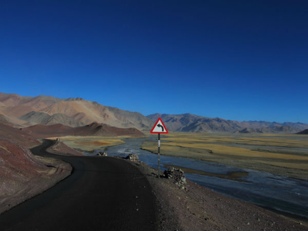 Hanle-Green-Kashmir-Travels