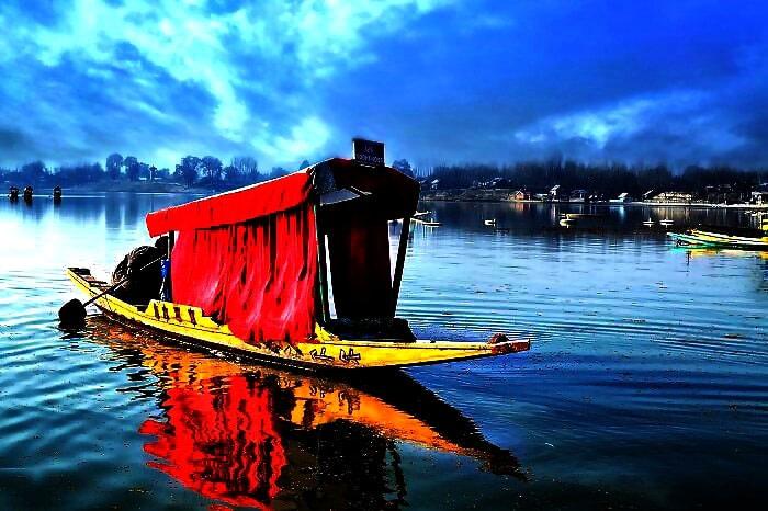 Shikara-ride-dal-lake