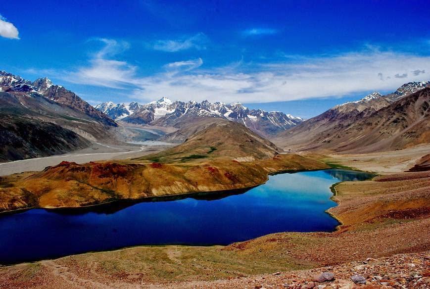 Tsomoriri-Lake-Green-kashmir-tours-and-travels